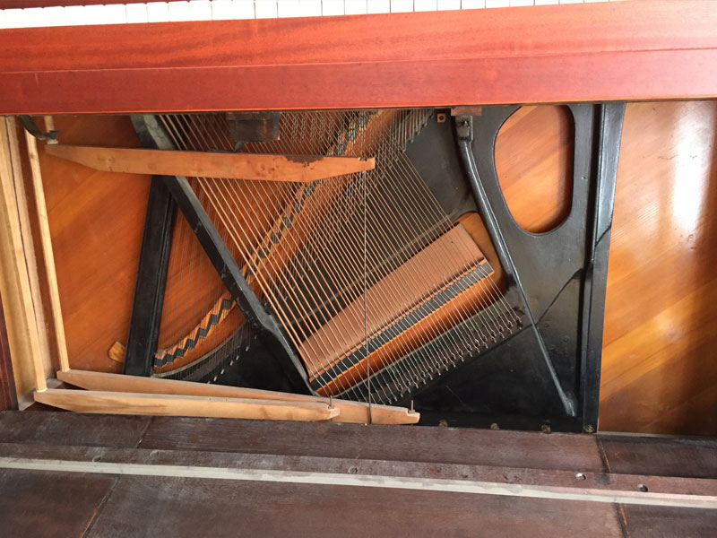 Photo under the piano keyboard